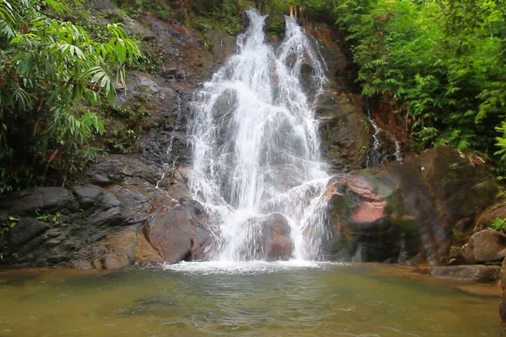 Waterfall, Thailand, vodopád, koupání v přírodě