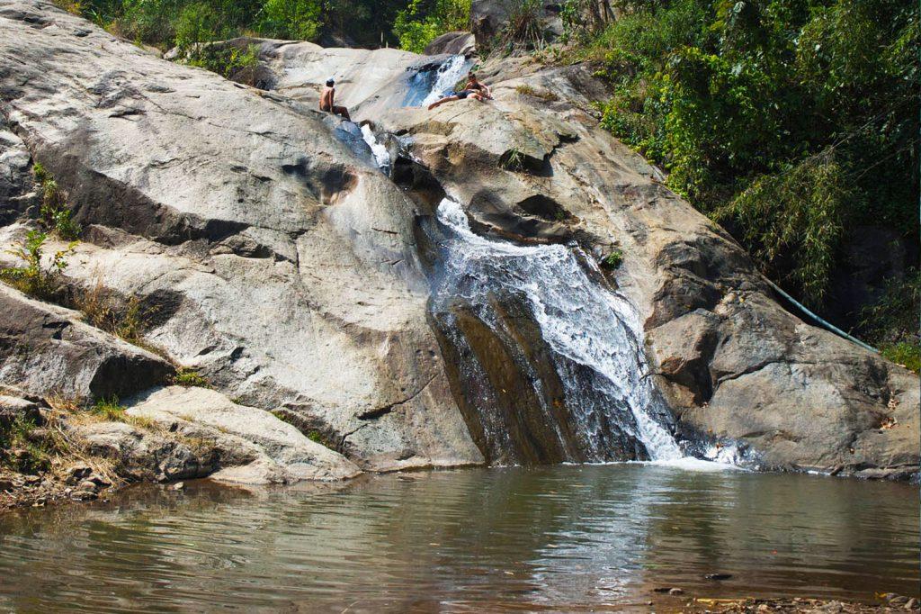 Vodopád, skákání, plavání, výhledy